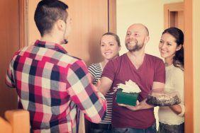 Заговоры от нежеланных гостей
