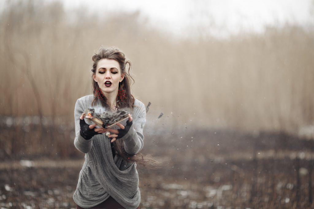 Как избавиться от приворота женщине
