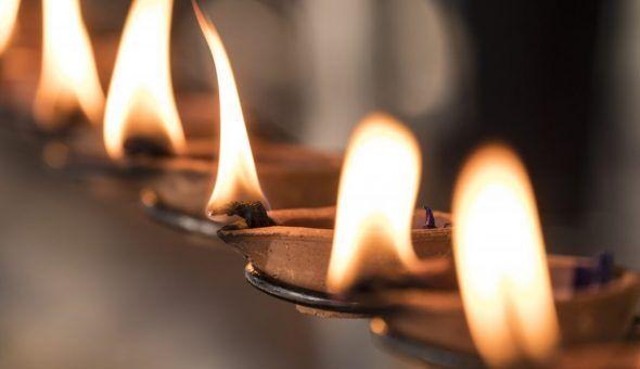 Ритуал со свечами проводите вечером