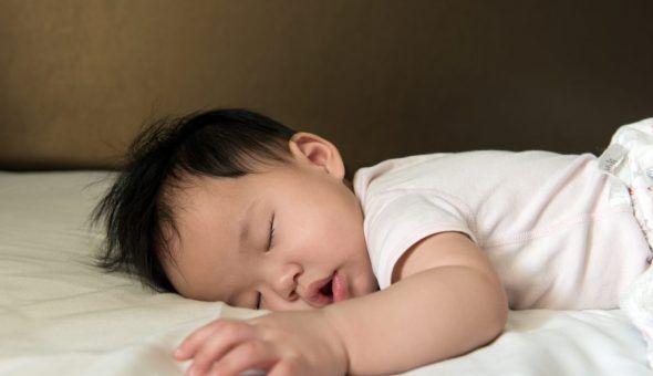 Молитвами можно регулировать сон малыша
