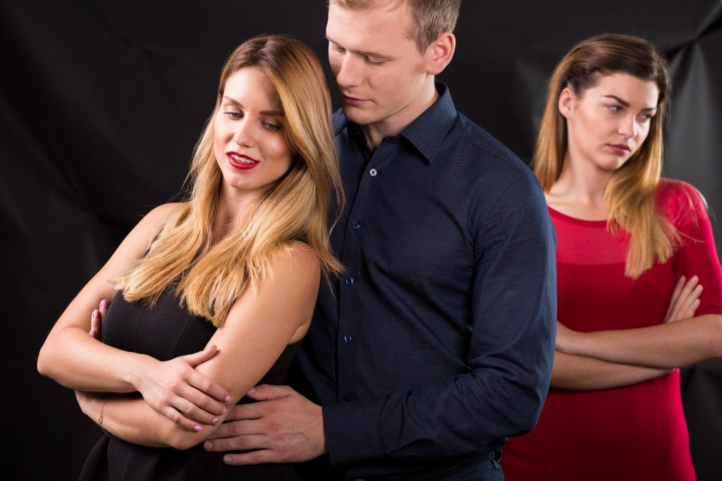 Порча на соперницу поможет наказать любовницу мужа