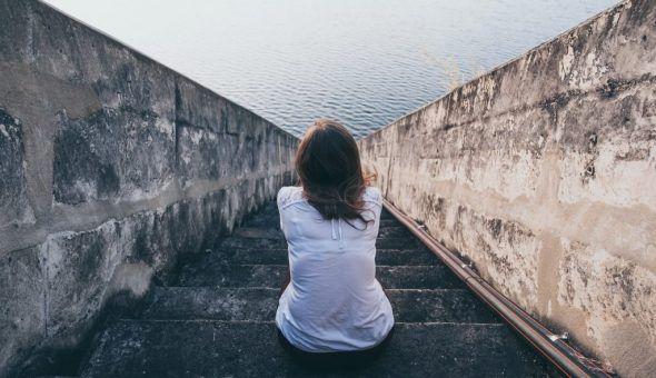 Как определить и снять порчу на одиночество