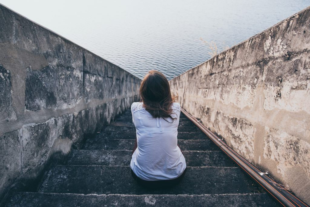 Выявление порчи на одиночество способы снятия заклятия.