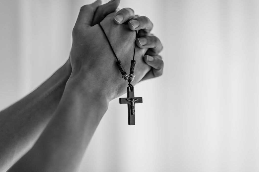 Нужна сильная молитва от колдовства