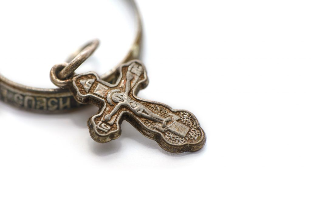 Почему нельзя дарить крестик
