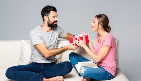 Если подарить подарок заранее