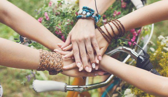 Заговоры и обряды на крепкую дружбу