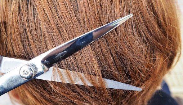 По волосам можно узнать о порче