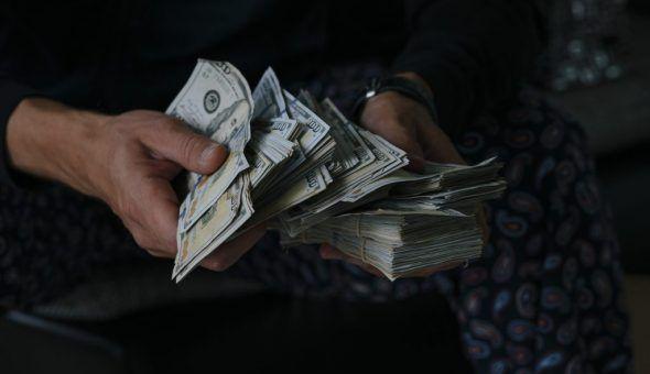 С деньгами обращайтесь правильно