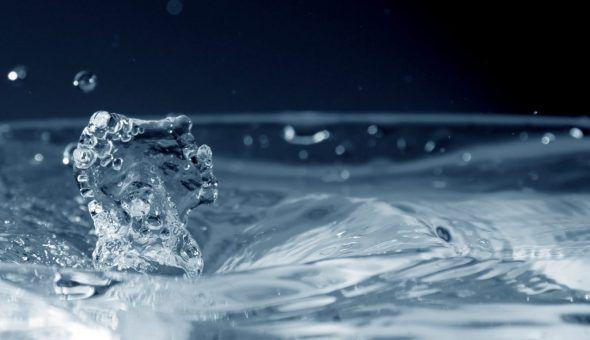 Вода от порчи и сглаза: как читать
