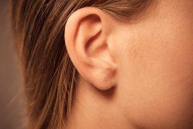 Значение приметы если горит правое ухо