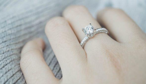 Каждый палец с кольцом несет свое значение