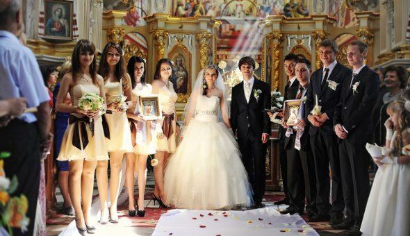Для венчания нужны специальные атрибуты