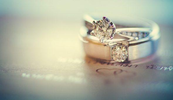 После развода нельзя носить обручальные кольца
