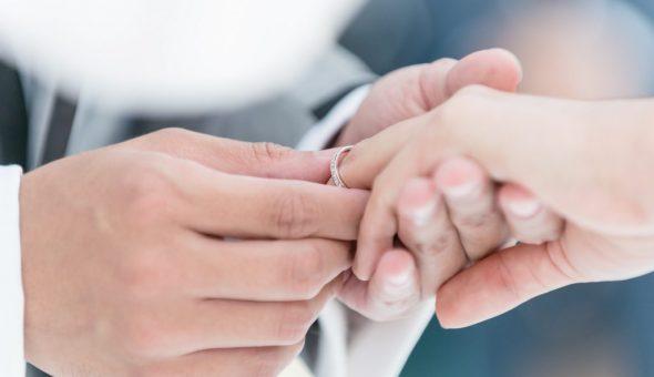 Приметы про обручальные кольца во время церемонии
