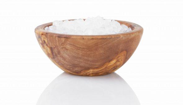 При помощи соли очищают коловрат от негатива