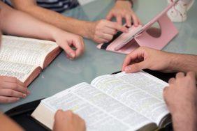 Особенности гадания по стихам