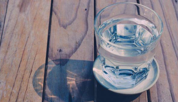 Гадание на воде возможно несколькими способами